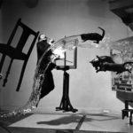 "Philippe Halsman: ""Dalí Atomicus"" (1948)"