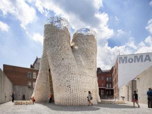 La estructura conceptual Living Hy-Fi (programa para jóvenes arquitectos del Museo de Arte Moderno de Nueva York, MoMA PS1), se ha erigido con ladrillos de micelios (hongos)
