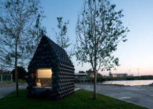 """DUS Architects es un estudio holandés que ha anunciado planes para """"imprimir"""" un edificio residencial en Ámsterdam; de momento, experimenta con la impresión 3D con esta cabaña"""