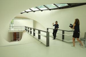 """El arquitecto Ammar Eloueini se inspiró en las casas tradicionales del Golfo de México """"shotgun"""" (alargadas, fáciles de ventilar) para crear una vivienda futurista en Nueva Orleans"""