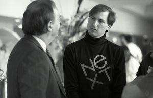 Steve Jobs durante su etapa en la compañía de estaciones de sobremesa para profesionales y académicos NeXT, en los años 80