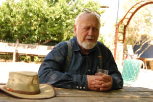 Bill Mollison charla con nosotros durante nuestra visita a Melbourne, en enero de 2008
