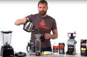 Dave Asprey, en uno de sus vídeos explicativos: es el creador de Bulletproof Coffee, otro de los productos que se han popularizado