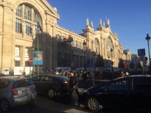 Mediodía frío y soleado en la Gare du Nord, a donde acudo tras pasar por el consulado español en Malesherbes (París), listo para tomar el Eurostar rumbo a Londres