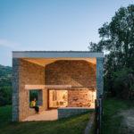 Casa Tmolo, ejemplo de reconversión de rústico a residencial en Parres (Picos de Europa, Asturias)