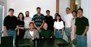 Una de las imágenes originales de Wikipedia en sus inicios: la plantilla de Bomis, compañía que creaba contenido libre para la wiki enciclopédica, en el verano de 2000, que pasaría a llamarse Wikipedia en 2001