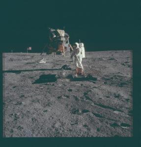 Imágenes tomadas con una cámara Hasselblad sobre la superficie lunar (alunizaje del Apolo 11; Archivo del Programa Apolo, NASA)