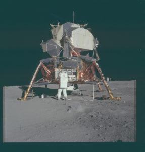 El módulo lunar que permitió el primer paseo por la superficie del satélite natural de la Tierra (alunizaje del Apolo 11; archivo del Programa Apolo, NASA)