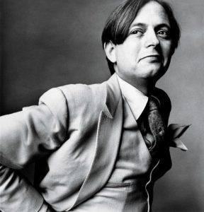 "Tom Wolfe, fotografiado por Irving Penn para ""Vanity Fair"" en 1966"