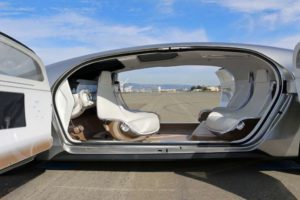 Interior del vehículo conceptual con conducción autónoma F 015 de Mercedes-Benz